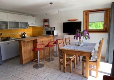 Appartement à proximité de Chantemerle - Cuisine et coin-repas Orée du bois
